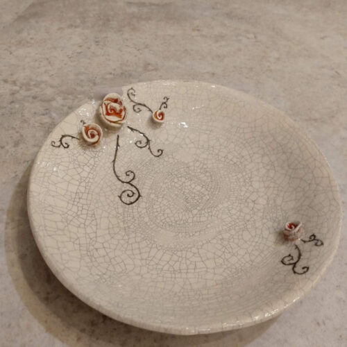small plate with roses by ursula aavasalu tigukass